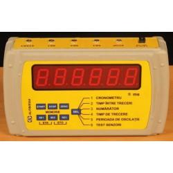 Cronometru electronic cu interfață pentru calculator și 5 senzori