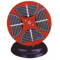 Panou solar cuplat cu motor electric